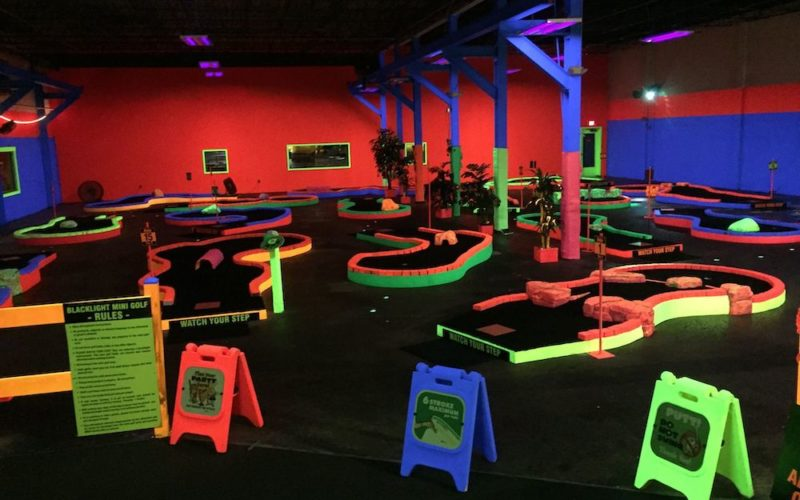 Mini golf @ Music City Indoor Karting